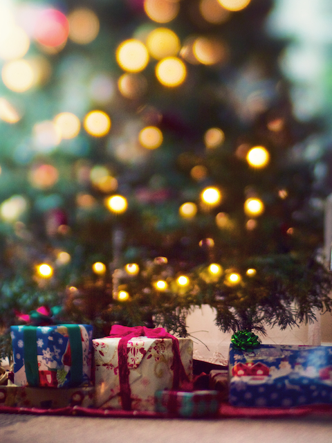 bokeh under the christmas tree