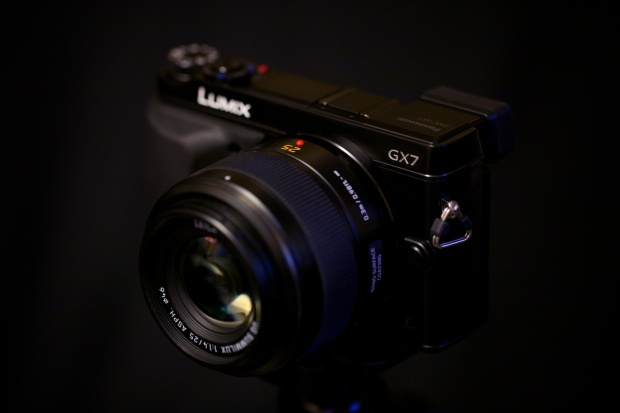 Panasonic GX7 and Leica 25