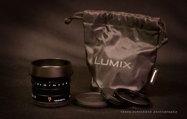 leica 15mm f/1.7 with hood